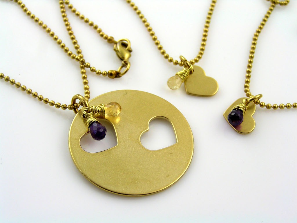 Matching Necklaces for 3 People
