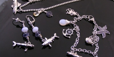 Jewellery Set: Necklace, Bracelet and Earrings with Shark Charms, Iolite and Chalcedony